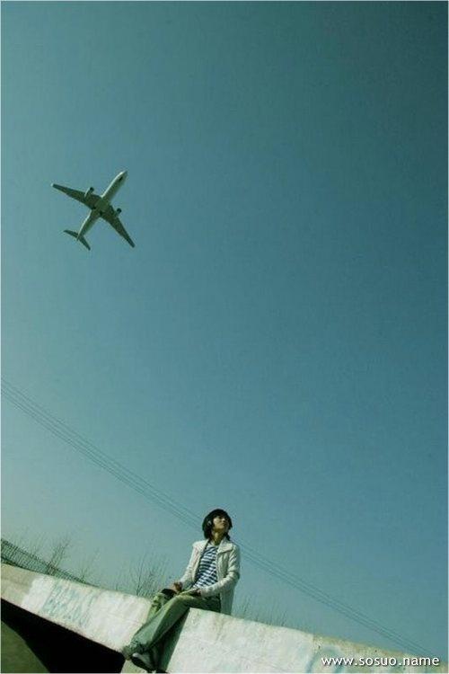 梦见自己在飞来飞去
