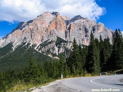 梦见高山掉大石头吓人意味着什么?